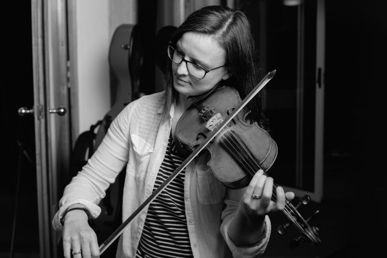 Jenna Reid, Jenna Reid Music, Jenna Reid Fiddler, Scottish Music, Scottish Folk Music, Scottish Fiddle Music